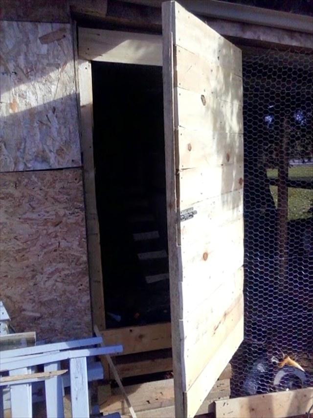 Курятник из поддонов своими руками – фото и видео