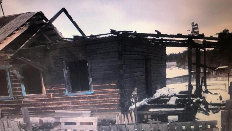 Дом поджег… аист?