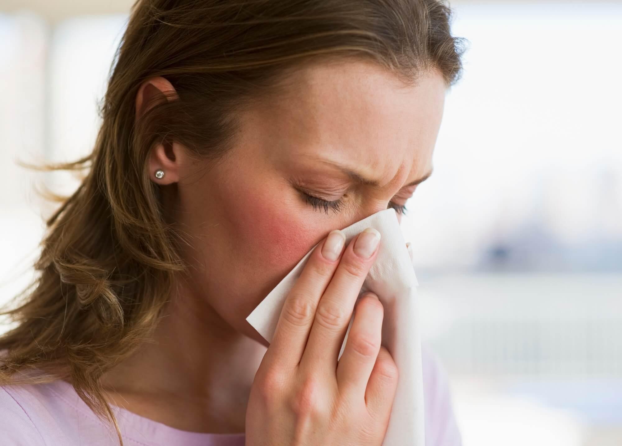 Куры хрипят, чихают и кашляют — как лечить простуду и вирус?