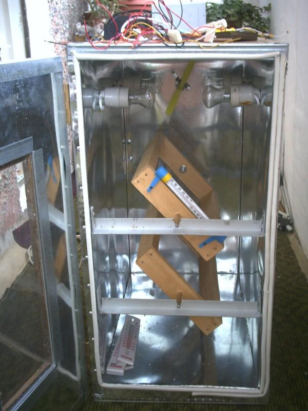 Как сделать надежный и простой инкубатор из холодильника своими руками